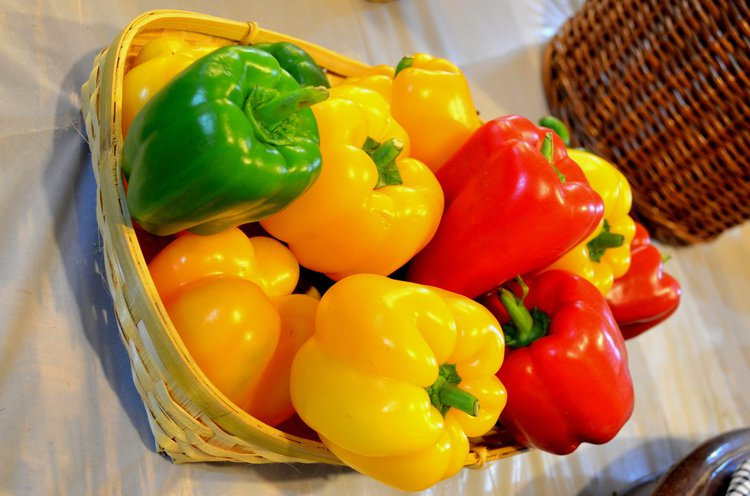 c937e9fba4f1 Bell peppers come in different colors including red