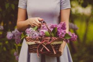 Women with flower basket.