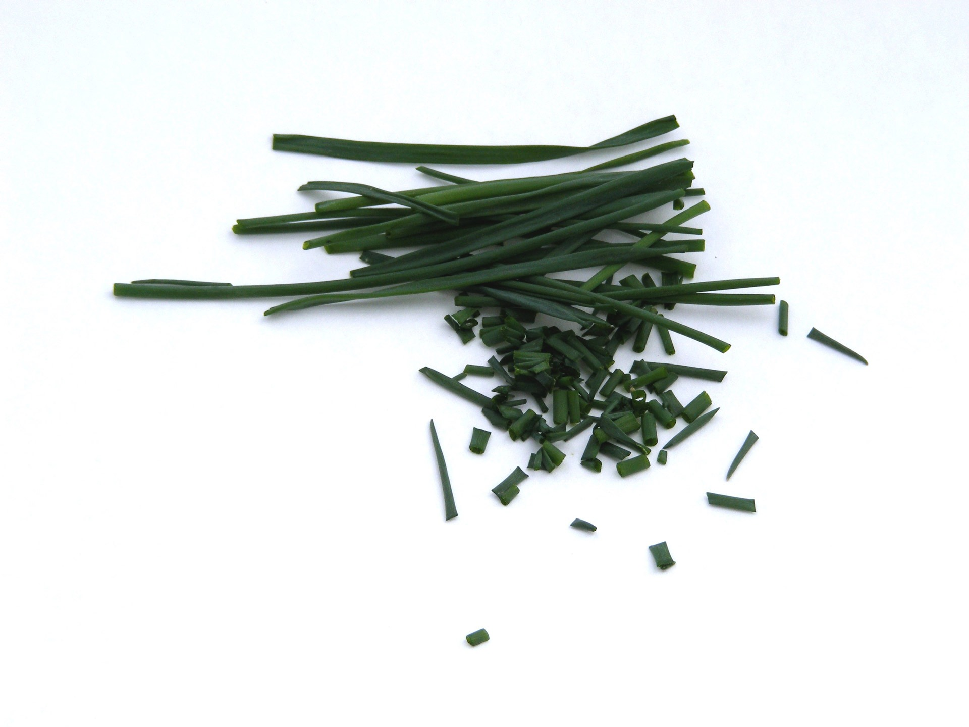 images 12 Best Benefits Of Chives For Skin And Health